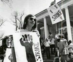 Students protesting outside administration offices, early 1970s. Johns Hopkins University Graphic and Pictorial Collection